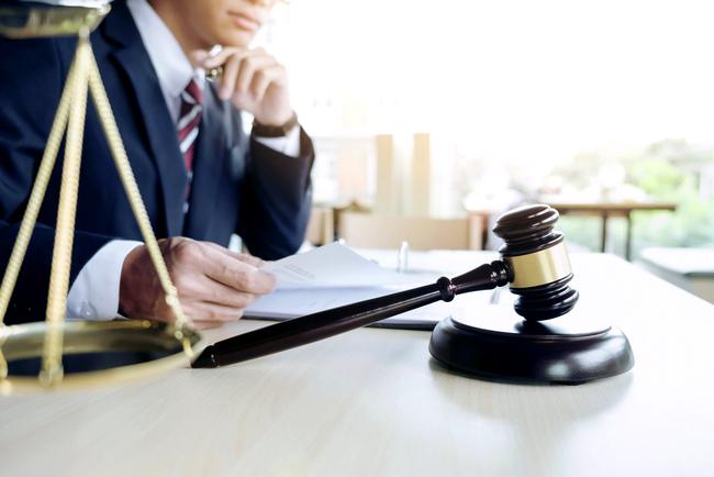 В каких случаях можно оспорить завещание на квартиру и кто может подать иск
